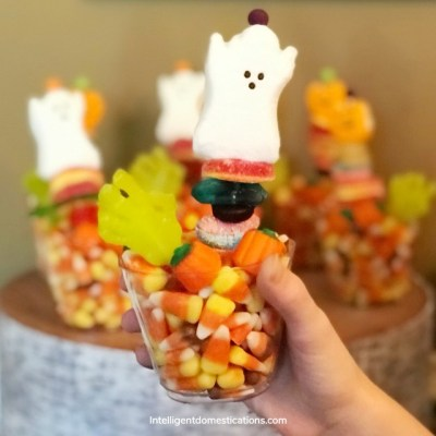 Make These Sweet & Easy Halloween Party Favors Candy Kabobs