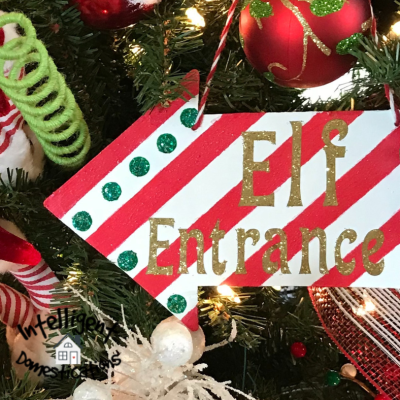 How To Make This Elf Entrance Sign Christmas Tree Ornament