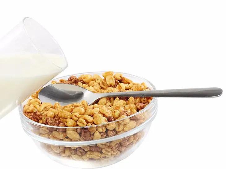 cheerios in milk