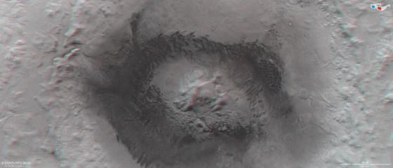 Impressive Images of Mars' Moreux Crater Captured by Mars Express