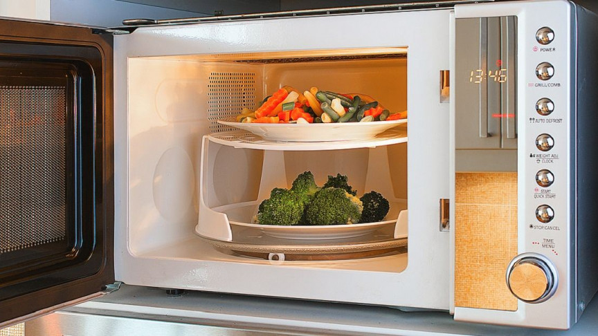 how do microwave ovens work and do they