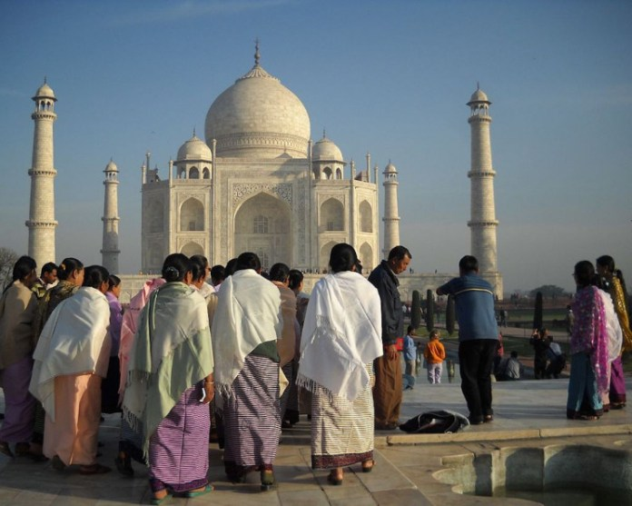 9 Impressive and Interesting Facts About the Stunning Taj Mahal