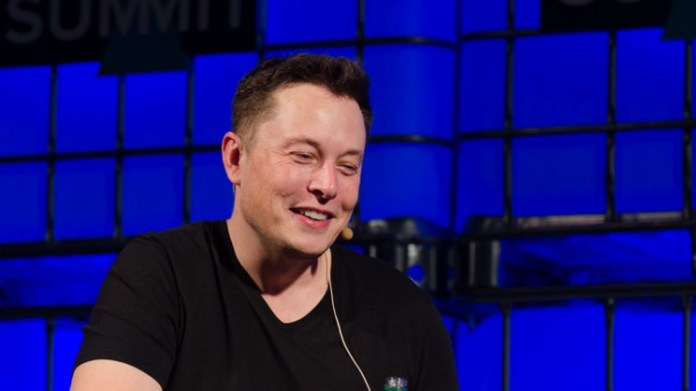 Elon Musk Says Jeff Bezos Would Be On Pluto Now, Do you want to join?