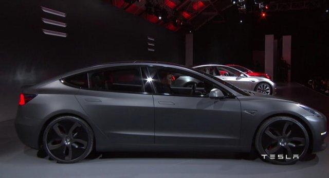 Tesla-Model-3-0