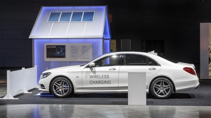 2018-mercedes-benz-s500e-wireless-charging