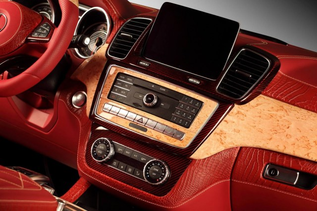 topcar-gle-coupe-red-crocodile-interior-3