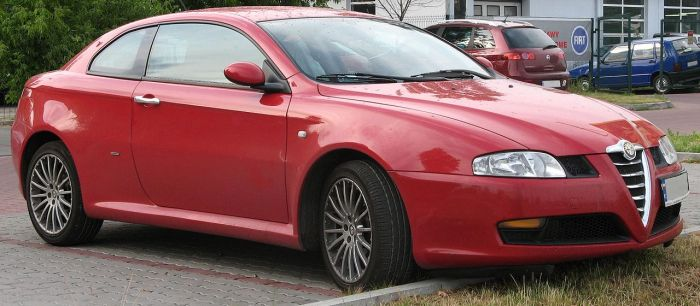 1280px-Alfa_Romeo_GT_red
