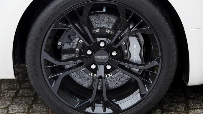 2012-aston-martin-v12-zagato-no-zero-3