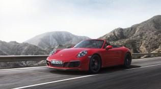 2018-Porsche-911-GTS-6