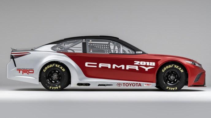 2018-toyota-camry-nascar-race-car (2)