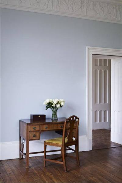 Farrow and Ball Wall: walls in Skylight Estate Emulsion, woodwork in Wimborne White, detailing in Strong White Soft Distemper