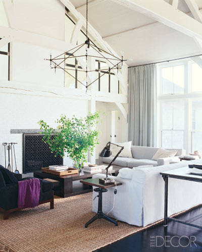 5 family room decorating tips for a family friendly space, how to add purple, Elle Decor Celebrity Homes: Meg Ryan. Photographer: William Waldron