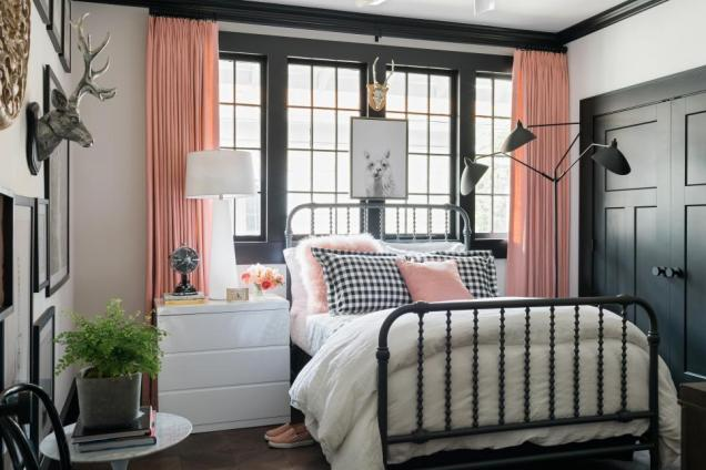 guest room, HGTV 2017 Urban Oasis Master Bedroom Paint Colors