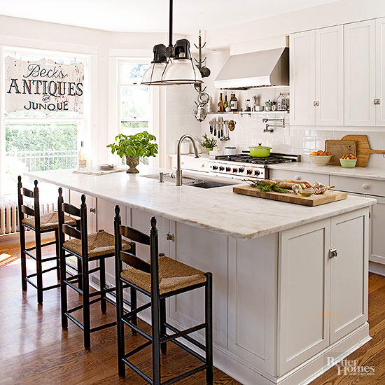 tv, kitchen, farmhouse design style, wood & white kitchen, black & white kitchen