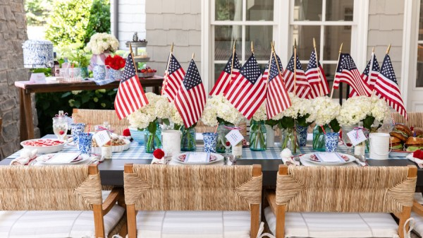 summer outdoor table decor