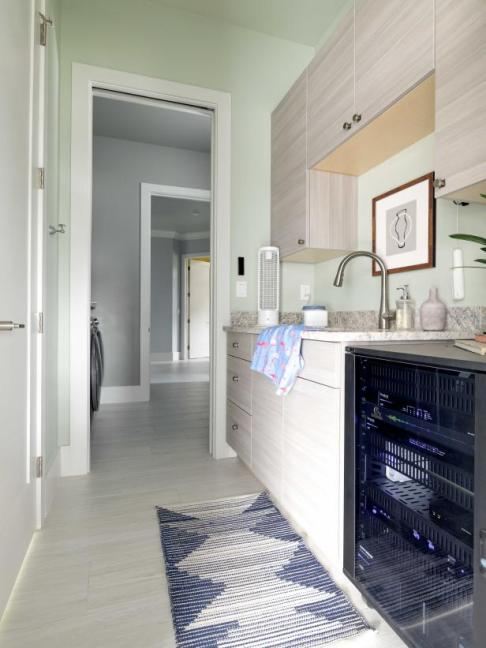 HGTV Smart Home 2021, Clean Room, Liveable Green HGSW3247