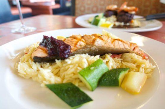 Oregon Garden View Restaurant, Silverton Oregon Staycation | Intentional Travelers