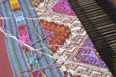 Weaving intricate and colorful patterns