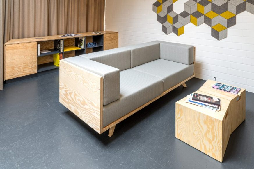 Sofa in Holz Inter-raum | Interior Design | Office Design