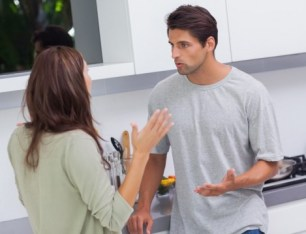 Evlilikte-Dinleme-Hatası-Yapmamak-İçin-Öneriler-3-470x359