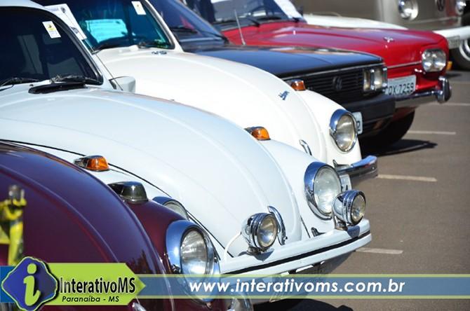 Encontro de carros antigos em Paranaíba
