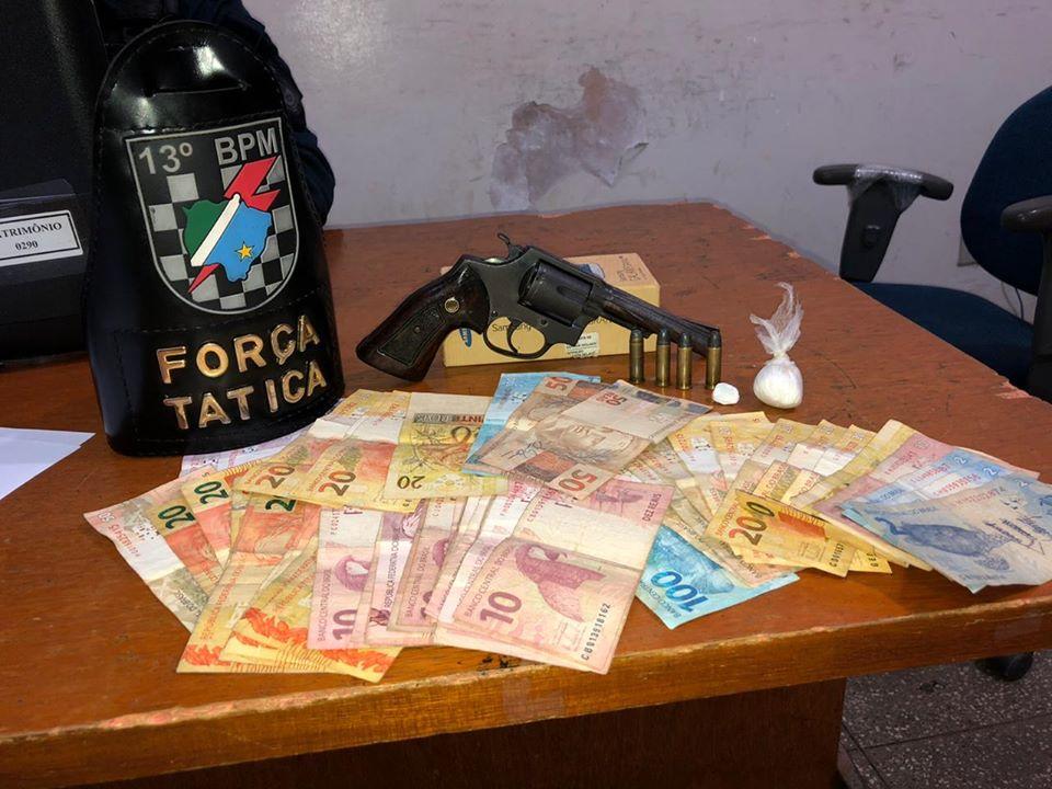 Homem é preso com maconha, cocaína e arma no Industrial de Lourdes
