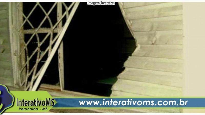 Ladrão invade casa leva TV e cerca de R$ 3,5 mil em Paranaíba