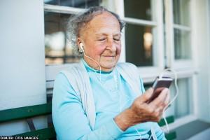 elderly-woman-music