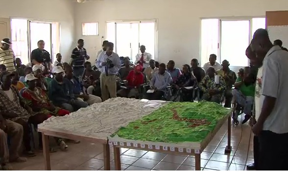 Gabon forest peoples map their land
