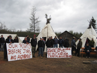 Innu Blockade, supported by the Innu Strategic Alliance. Photo: Cardinal Communication
