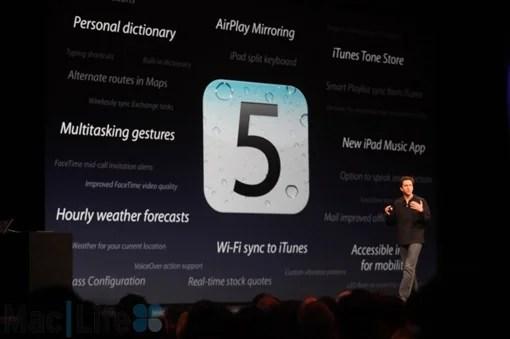 スコット・フォーストールが登壇し、iOS 5をプレゼン。