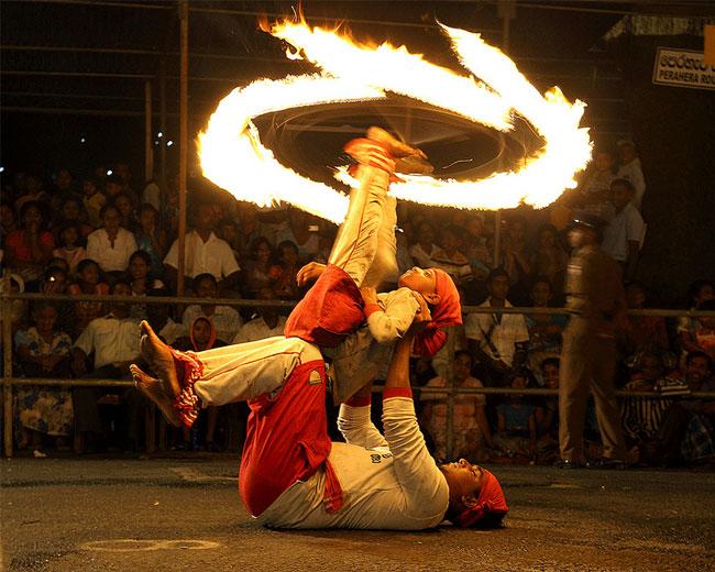 Perahera - Fire Dancers