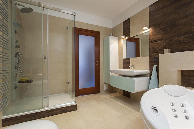 badkamer-voorbeelden-met-inloopdouche