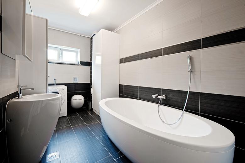 badkamer-voorbeelden-zwart-wit-foto