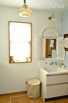フェミニンで女の子らしい洗面所の画像
