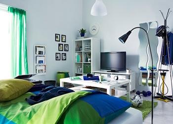 スタイリッシュな一人暮らしの部屋のテレビ周りの画像