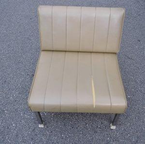 病院 待合室の椅子生地張替