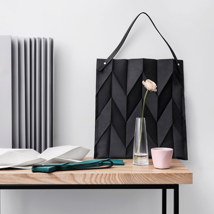 The Perfect Finnish-Japanese Design Connection – Iittala X Issey Miyake Home Collection with Bags, Plates, Cushions, Vases, Cups…