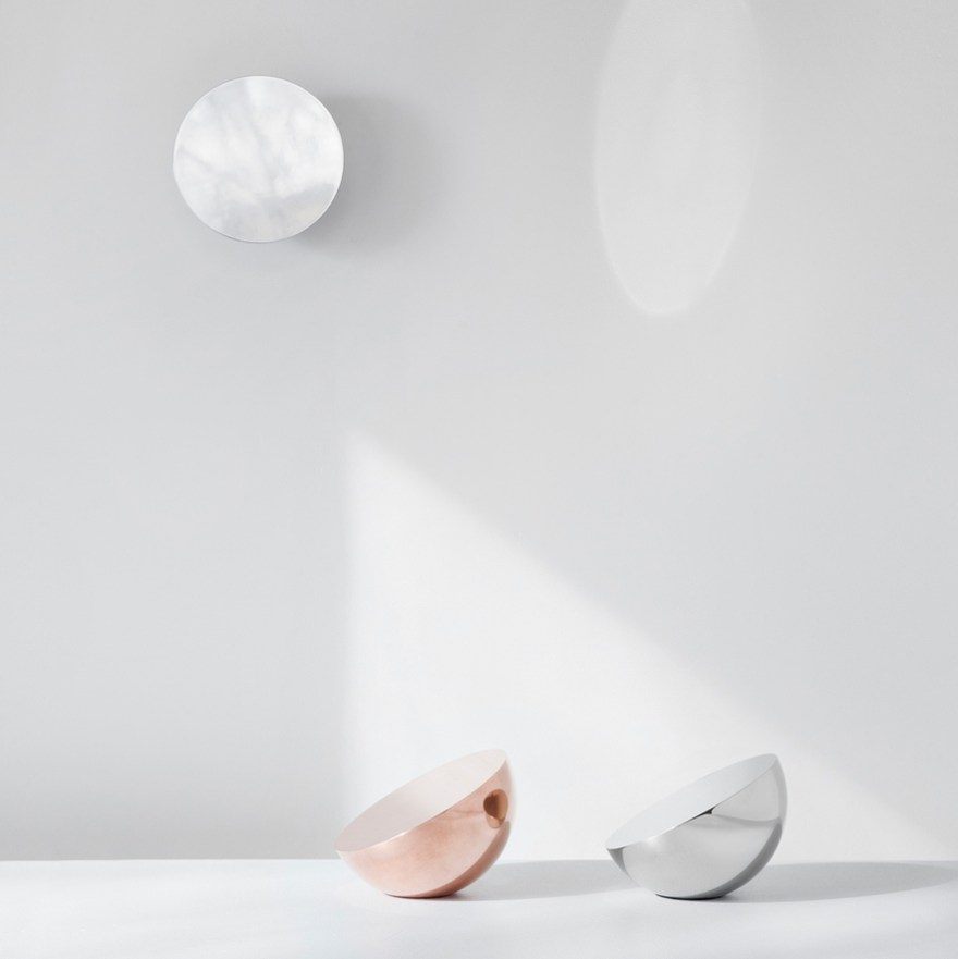 A Simple and Sculptural Form – Aura Wall and Table Mirror Design by Bjørn van den Berg for New Works