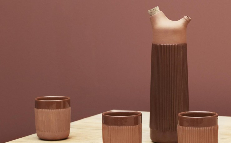 The rustic and warm Character of the Junto Carafe and Mug Design by by Simon Legald for Normann Copenhagen, Terracotta Desing, Interior 3000 Design Blog, Interior Design, Furniture Design