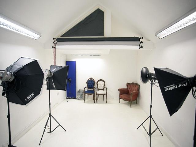 Desain Studio Foto Unik Dengan Dekorasi Interior yang Menarik dan Berkesan  InteriorDesignid