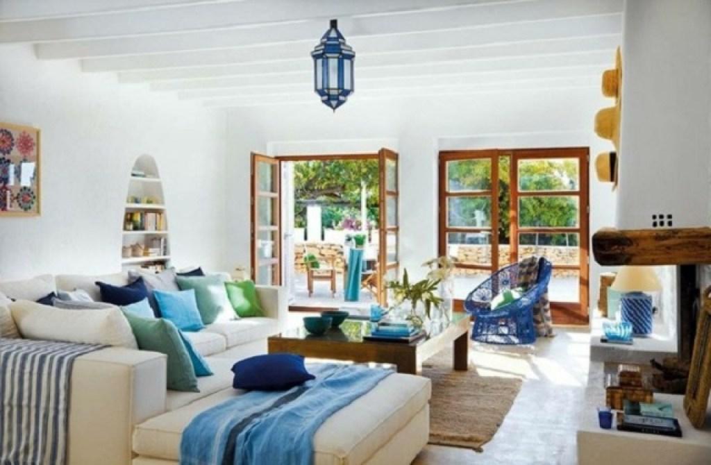 Desain interior mediterania yang simpel dan memesona