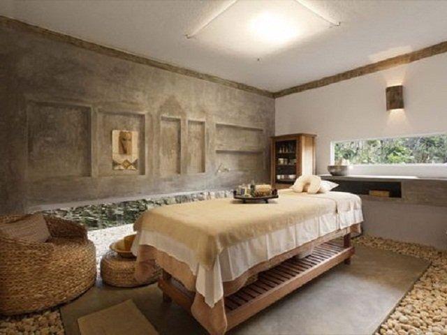 desain interior spa; ruang perawatan dengan gaya natural yang menenangkan