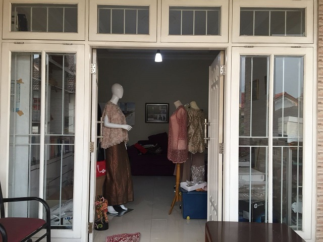 interior butik modern klasik