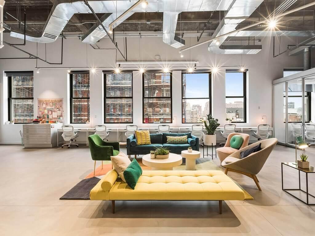 penampilan interior urban modern dengan palet warna lembut
