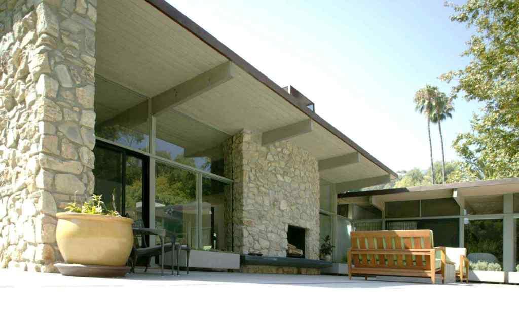 model batu alam yang cocok untuk teras rumah