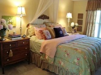 cottage bedroom curtain via