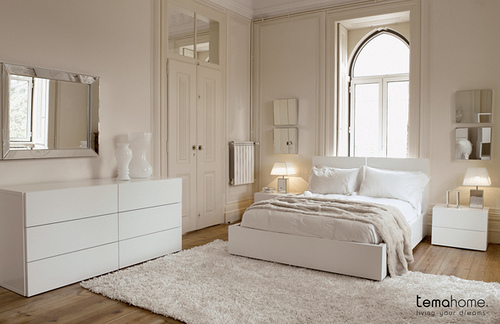 white bedroom interior designer