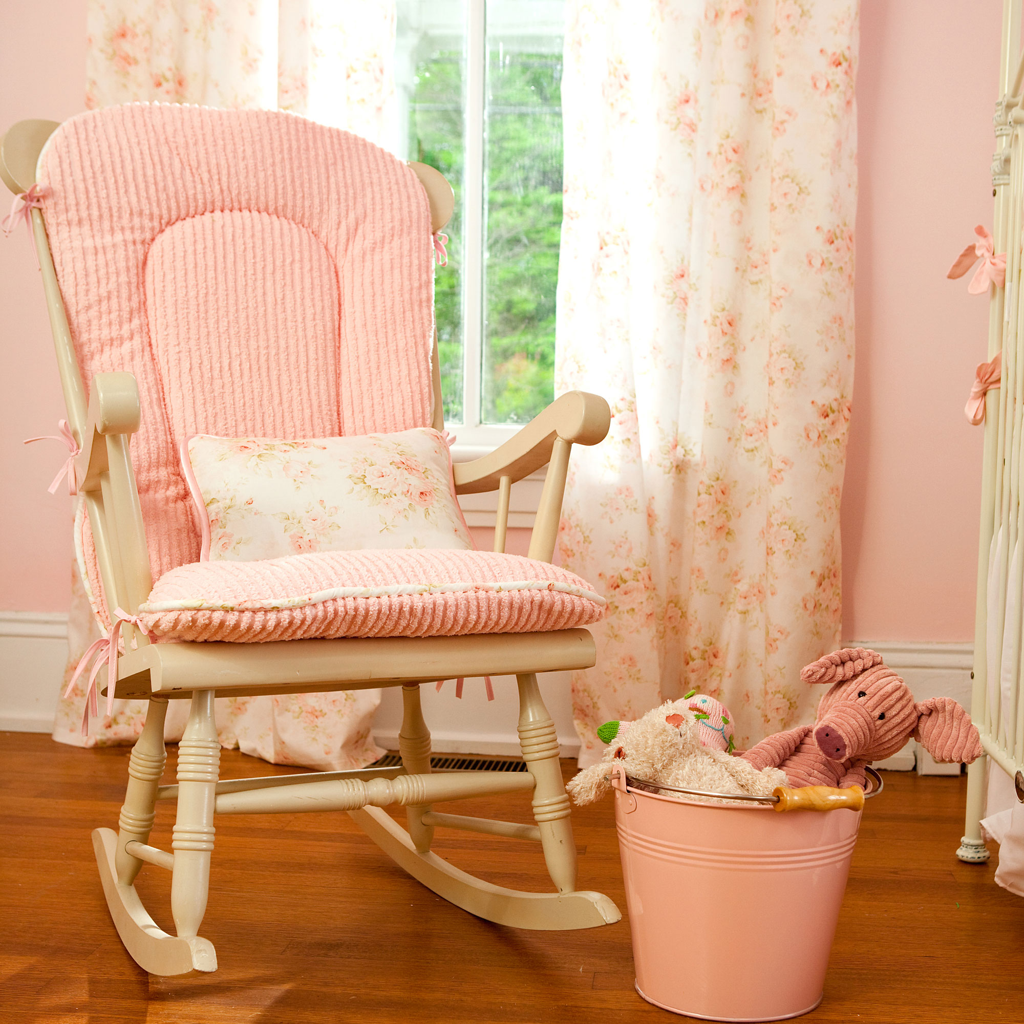 rocking chair for nursery wedding covers galway how to decorate babies and moms heaven interior design