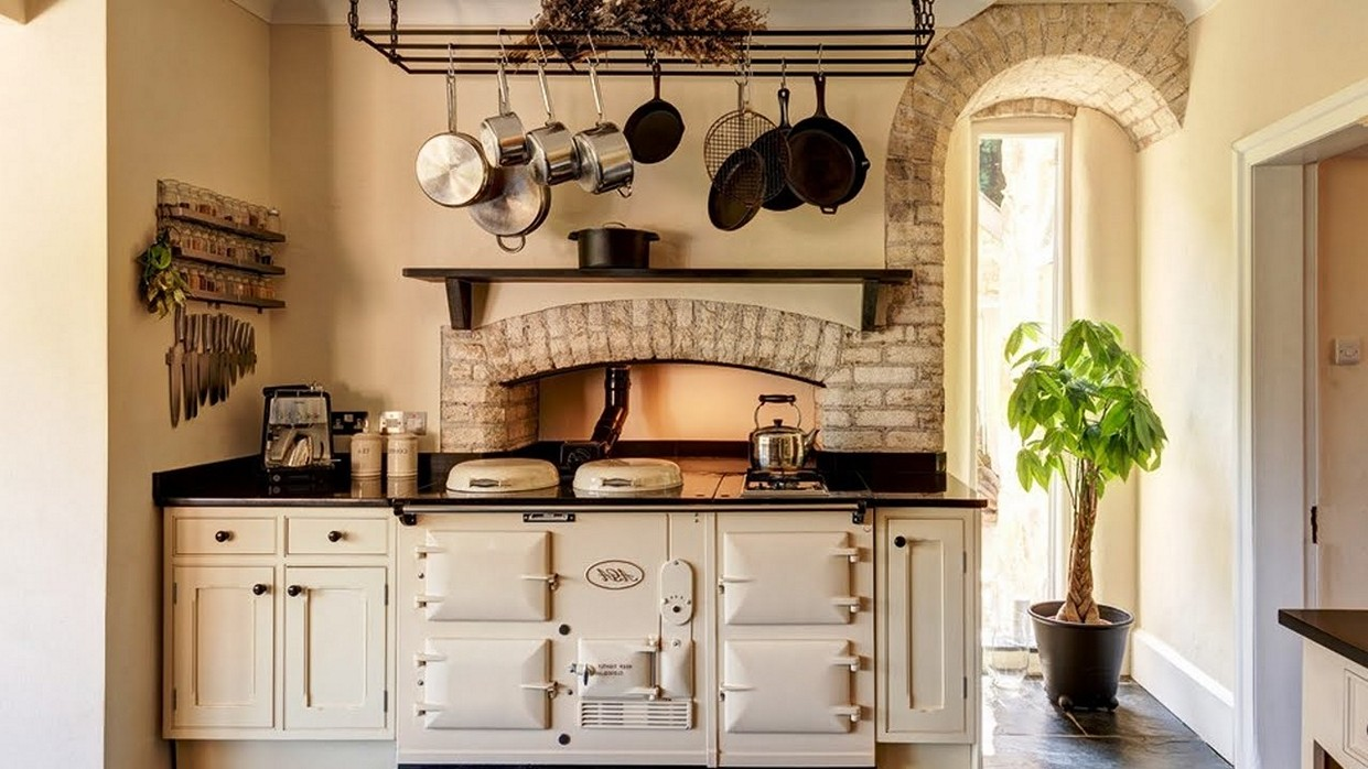 Eight Great Ideas For A Small Kitchen Interior Design Paradise